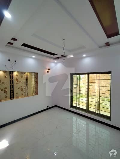 5 Marla  D Block 2nd Floor Brand New Flat For Sale Very Reasonable Price Hot Location