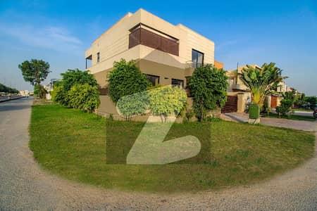 ڈی ایچ اے فیز 6 ڈیفنس (ڈی ایچ اے) لاہور میں 4 کمروں کا 10 مرلہ مکان 1.4 لاکھ میں کرایہ پر دستیاب ہے۔