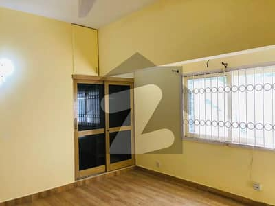 Single Storey Bungalow Available For Rent
