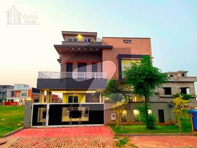 بحریہ ٹاؤن فیز 8 بحریہ ٹاؤن راولپنڈی راولپنڈی میں 5 کمروں کا 11 مرلہ مکان 2.35 کروڑ میں برائے فروخت۔