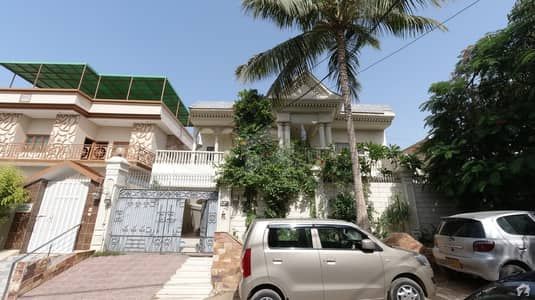 400 Sq Yd House For Sale