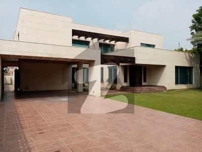 ڈی ایچ اے فیز 3 ڈیفنس (ڈی ایچ اے) لاہور میں 2 کنال مکان 15 کروڑ میں برائے فروخت۔