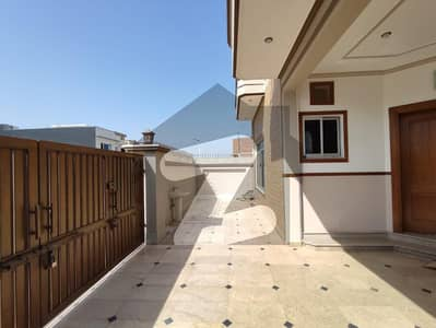بحریہ گرینز۔ اوورسیز انکلیو - سیکٹر 3 بحریہ گرینز۔ اوورسیز انکلیو بحریہ ٹاؤن فیز 8 بحریہ ٹاؤن راولپنڈی راولپنڈی میں 5 کمروں کا 10 مرلہ مکان 1.1 لاکھ میں کرایہ پر دستیاب ہے۔