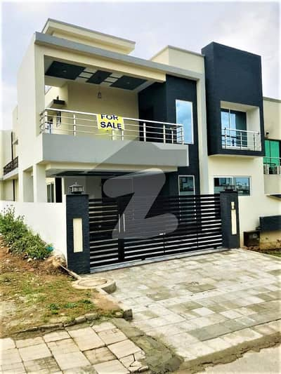 10 Marla Luxury & Designer House For Sale In Sector C