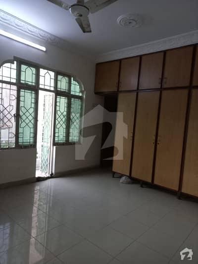 علامہ اقبال ٹاؤن ۔ مسلم بلاک علامہ اقبال ٹاؤن لاہور میں 4 کمروں کا 4 مرلہ مکان 55 ہزار میں کرایہ پر دستیاب ہے۔