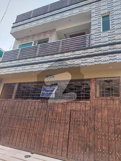حیات آباد فیز 1 - ڈی4 حیات آباد فیز 1 حیات آباد پشاور میں 8 کمروں کا 5 مرلہ مکان 2.8 کروڑ میں برائے فروخت۔