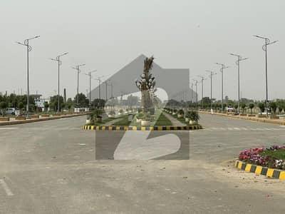 سفاری گارڈن ۔ بلاک ای سفاری گارڈن ہاؤسنگ سکیم لاہور میں 5 مرلہ پلاٹ فائل 3.5 لاکھ میں برائے فروخت۔