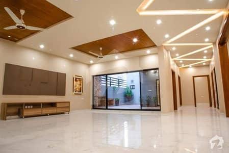 عبداللہ گارڈنز ایسٹ کینال روڈ کینال روڈ فیصل آباد میں 5 کمروں کا 2 کنال مکان 16.5 کروڑ میں برائے فروخت۔