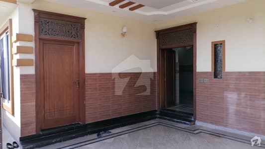 ایل ڈی اے ایوینیو ۔ بلاک سی ایل ڈی اے ایوینیو لاہور میں 5 کمروں کا 10 مرلہ مکان 2.4 کروڑ میں برائے فروخت۔
