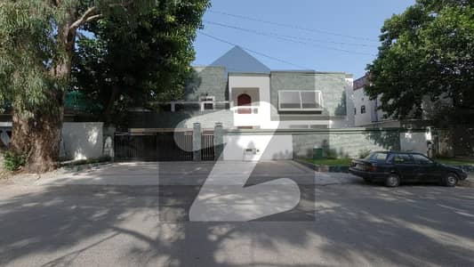 80x100 Triple Storey House For Sale In F-8