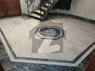 ڈی ایچ اے فیز 2 - بلاک ایس فیز 2 ڈیفنس (ڈی ایچ اے) لاہور میں 5 کمروں کا 1 کنال مکان 1.5 لاکھ میں کرایہ پر دستیاب ہے۔
