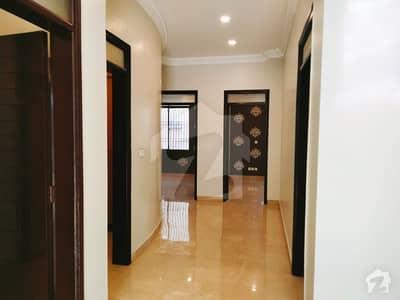 طارق روڈ کراچی میں 3 کمروں کا 8 مرلہ فلیٹ 2.2 کروڑ میں برائے فروخت۔