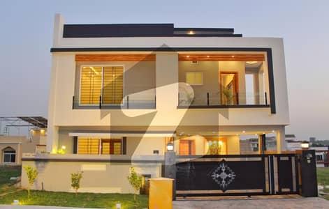 بحریہ ٹاؤن فیز 8 ۔ بلاک سی بحریہ ٹاؤن فیز 8 بحریہ ٹاؤن راولپنڈی راولپنڈی میں 5 کمروں کا 10 مرلہ مکان 3.2 کروڑ میں برائے فروخت۔