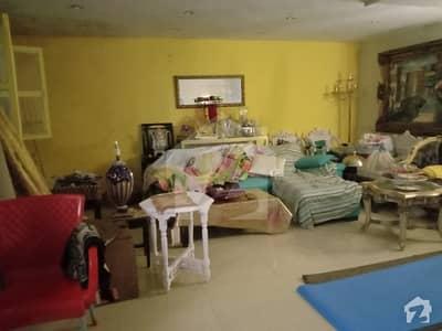 کلفٹن ۔ بلاک 5 کلفٹن کراچی میں 4 کمروں کا 10 مرلہ فلیٹ 4.5 کروڑ میں برائے فروخت۔