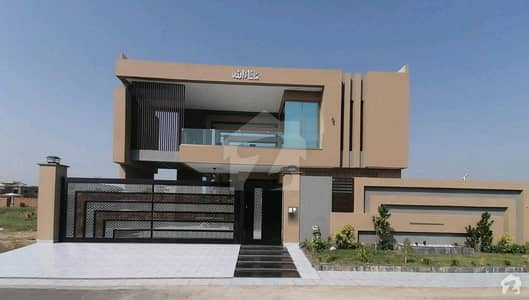 House In DC Colony For Sale