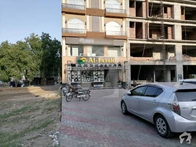 Get This Prominently Located Flat For Great Price In Lahore