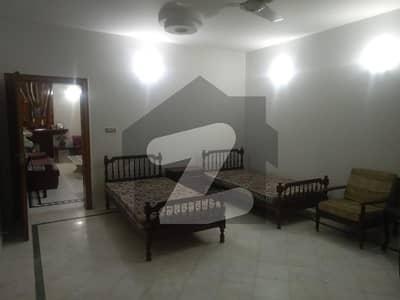 ڈی ایچ اے فیز 2 ڈیفنس (ڈی ایچ اے) لاہور میں 2 کمروں کا 1 کنال زیریں پورشن 55 ہزار میں کرایہ پر دستیاب ہے۔