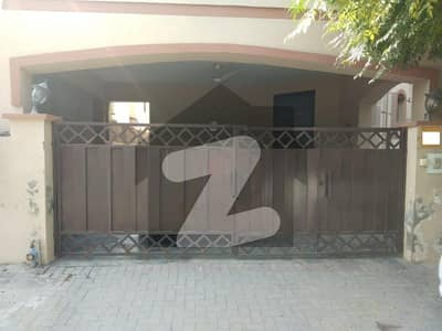 عسکری 10 - سیکٹر اے عسکری 10 عسکری لاہور میں 5 کمروں کا 10 مرلہ مکان 3.6 کروڑ میں برائے فروخت۔