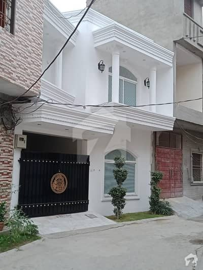 788 Square Feet House Is Available In Model Town Link Road