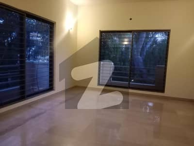 F-7 05 Bedroom Compact House With Beautiful Garden