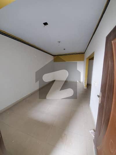 نارتھ ناظم آباد ۔ بلاک بی نارتھ ناظم آباد کراچی میں 3 کمروں کا 7 مرلہ فلیٹ 50 ہزار میں کرایہ پر دستیاب ہے۔
