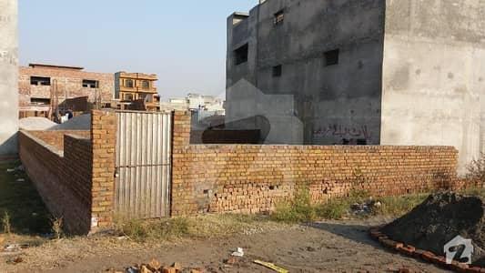غوری ٹاؤن فیز 4 بی غوری ٹاؤن اسلام آباد میں 11 مرلہ رہائشی پلاٹ 1.05 کروڑ میں برائے فروخت۔