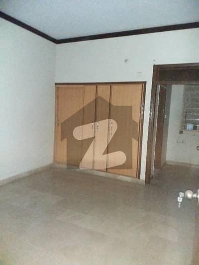 بفر زون - سیکٹر 15اے / 1 بفر زون نارتھ کراچی کراچی میں 2 کمروں کا 5 مرلہ مکان 30 ہزار میں کرایہ پر دستیاب ہے۔