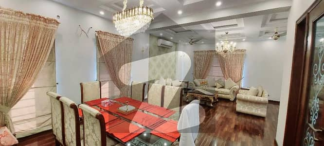 01 KANAL LIKE NEW LUXURY BUNGALOW WITH ORIGINAL PICTURES FOR SALE