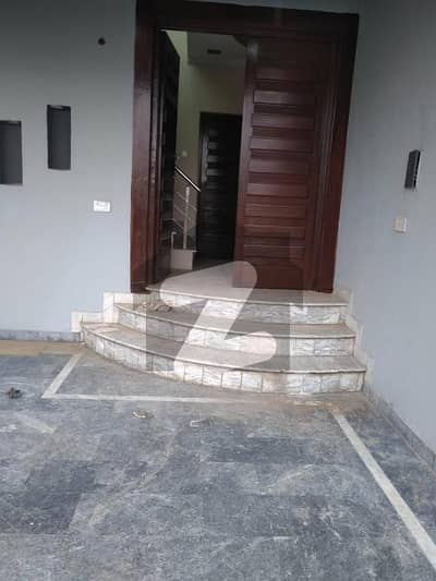 ائیر ایوینیو ۔ بلاک ایم ڈی ایچ اے فیز 8 سابقہ ایئر ایوینیو ڈی ایچ اے فیز 8 ڈی ایچ اے ڈیفینس لاہور میں 5 کمروں کا 15 مرلہ مکان 3.5 کروڑ میں برائے فروخت۔