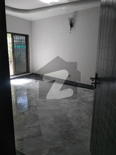 10 Marla Use House For Sale In Phase 8 Dha Lahore