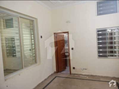 ائیرپورٹ ہاؤسنگ سوسائٹی راولپنڈی میں 3 کمروں کا 4 مرلہ زیریں پورشن 14 ہزار میں کرایہ پر دستیاب ہے۔
