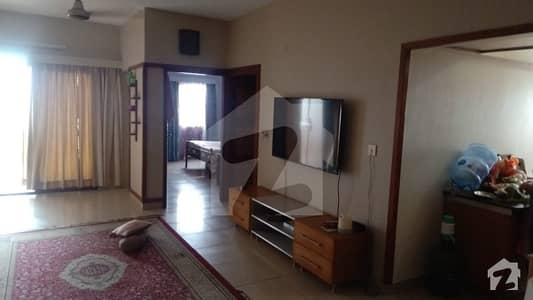 3 Bed D. d Flat For Sale In Nazimabad No. 1