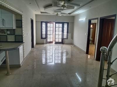 کوسموپولیٹن سوسائٹی کراچی میں 4 کمروں کا 8 مرلہ فلیٹ 3.7 کروڑ میں برائے فروخت۔