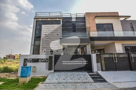 5 MARLA BRAND NEW LAVISH HOUSE FOR SALE IN DHA HOT LOCATION