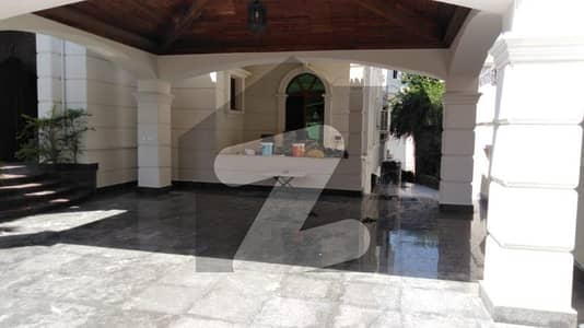 F-7 Luxurious Like New Executive Level 07 Bedroom Spacious House With Beautiful Garden