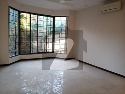 F-7 Fully Renovated House For Rent 800 Square Yards