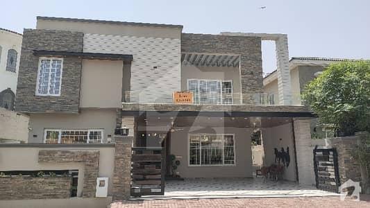 بحریہ ٹاؤن فیز 5 بحریہ ٹاؤن راولپنڈی راولپنڈی میں 5 کمروں کا 1 کنال مکان 8.2 کروڑ میں برائے فروخت۔