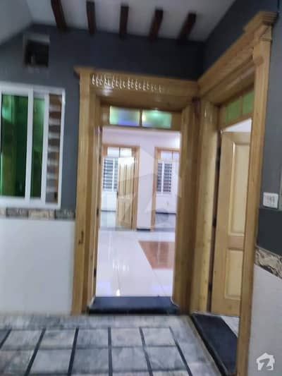 Hayatabad Phase 6 Sector F7 10 Marla House Available For Rent