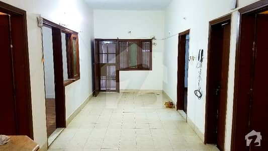 گلشنِ اقبال - بلاک 3 گلشنِ اقبال گلشنِ اقبال ٹاؤن کراچی میں 3 کمروں کا 10 مرلہ زیریں پورشن 55 ہزار میں کرایہ پر دستیاب ہے۔