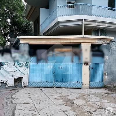10 Marla House For Rent Is Available In Allama Iqbal Town