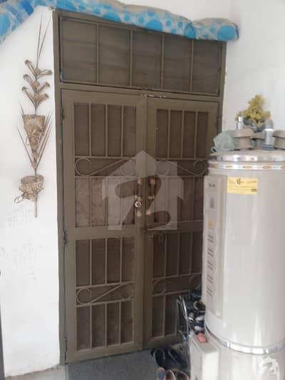 آئی ۔ 11 اسلام آباد میں 2 کمروں کا 4 مرلہ فلیٹ 65 لاکھ میں برائے فروخت۔