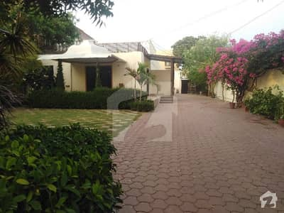 Single Storey Beautiful Bungalow At Most Prime Location