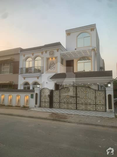 10 Marla Brand New House For Original Pictures Attach Bahria Town Lahore