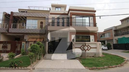 اسٹیٹ لائف فیز 1 - بلاک اے اسٹیٹ لائف ہاؤسنگ فیز 1 اسٹیٹ لائف ہاؤسنگ سوسائٹی لاہور میں 3 کمروں کا 5 مرلہ مکان 1.5 کروڑ میں برائے فروخت۔
