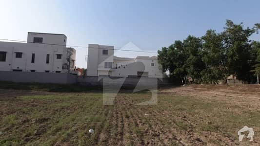 1 Kanal Plot On Main Boulevard 60 Ft Road Possession Utility Charges Paid For Sale In Overseas B Block Bahria Town