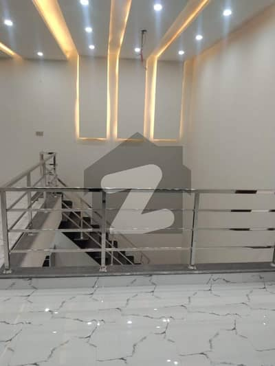 ایڈن ویلی فیصل آباد میں 4 کمروں کا 10 مرلہ مکان 1 لاکھ میں کرایہ پر دستیاب ہے۔