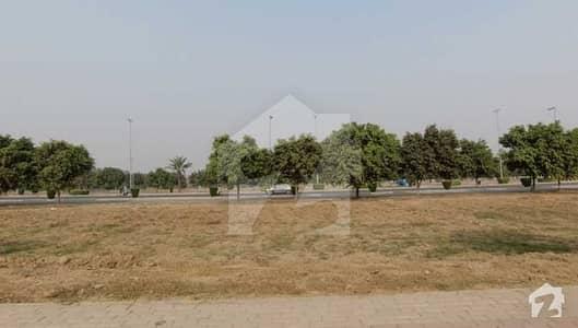 بحریہ ٹاؤن ۔ بلاک ای ای بحریہ ٹاؤن سیکٹرڈی بحریہ ٹاؤن لاہور میں 9 مرلہ کمرشل پلاٹ 5.3 کروڑ میں برائے فروخت۔