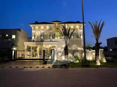 1 KANAL MOST BEAUTIFUL BRAND NEW ROYAL CLASS BANGLOW FOR SALE IN DHA PHASE 6.