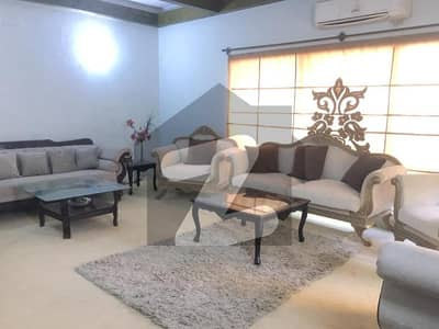 ایف ۔ 8 اسلام آباد میں 4 کمروں کا 1 کنال مکان 11 کروڑ میں برائے فروخت۔