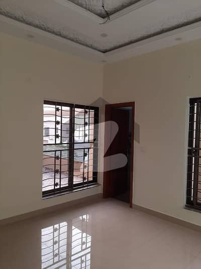 10 Marla Complete House For Rent